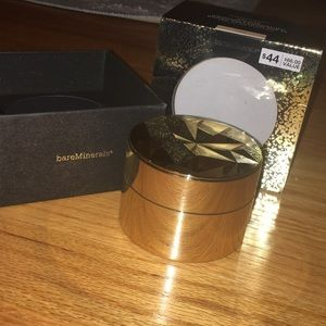 BareMinerals Deluxe Collector Edition Foundation